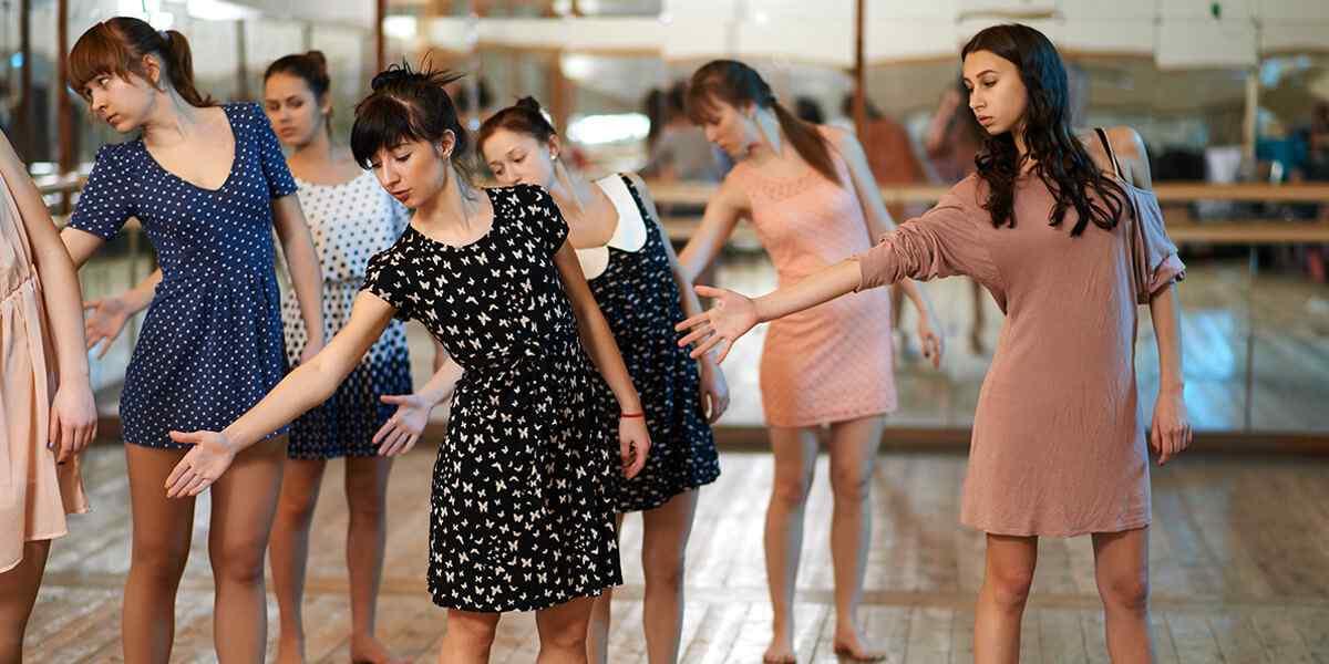 https://www.gerardofelisatti.com/wp-content/uploads/2019/04/inner_dance_01.jpg